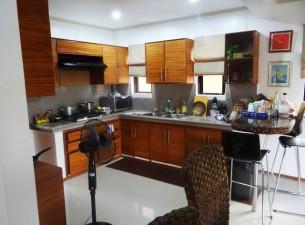 brown house diningroom