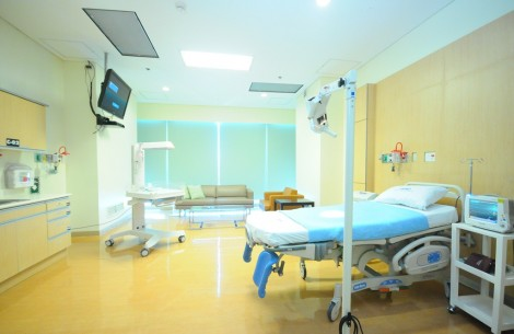 3-Birthing-Room1